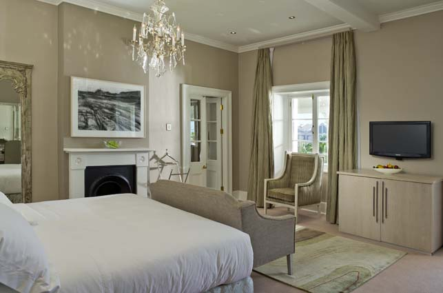 Dock house boutique hotel spa boutique hotels cape town for Mark v bedroom volume